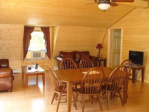 Eagle's Nest - Dining Area